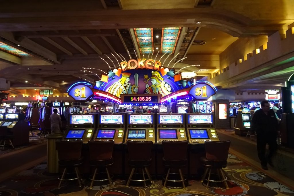 Casino and Information: how customers are loyal